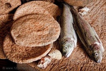 five-loaves-of-bread-and-two-fish1